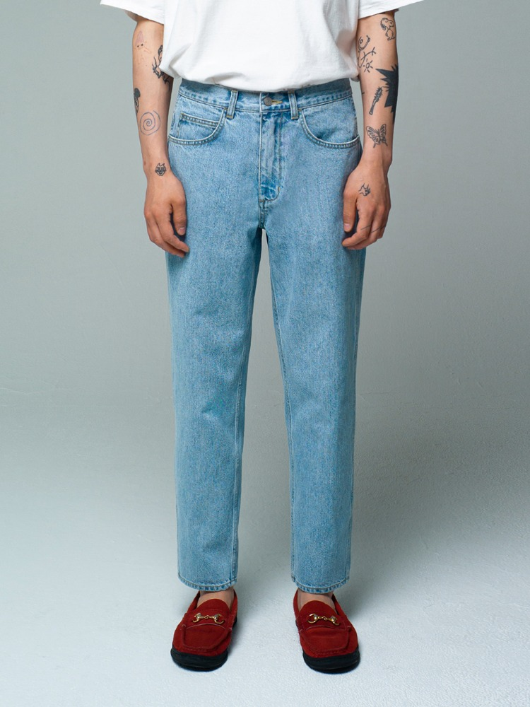 Tapered Jeans Light Blue